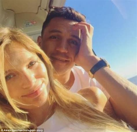 alexis sanchez mayte alexis sanchez new girlfriend mayte rodriguez bio wiki