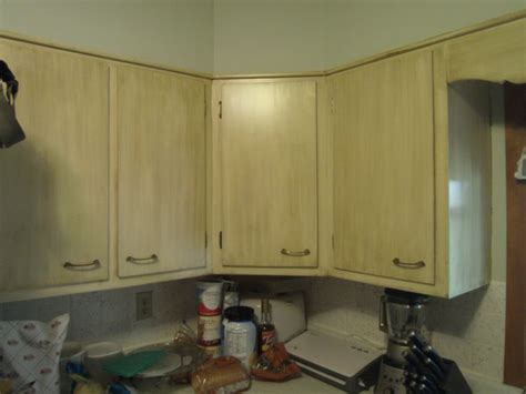 how to refinish my kitchen cabinets best 25 refinish kitchen cabinets ideas only on