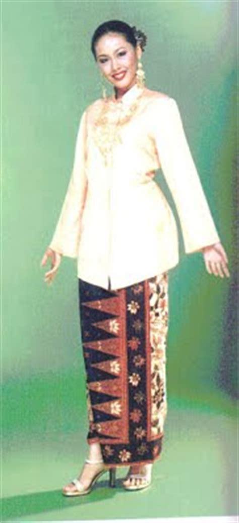 Asal Usul Baju Kebaya Nyonya baju kebaya seni dan budaya malaysia