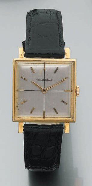 Ventes aux enchères Paris JAEGER LECOULTRE BRACELET MONTRE carré en or jaune. Index or. Brace