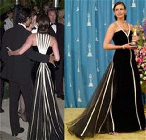 oscar film julia roberts 2001 julia roberts oscar gown and jackie kennedy s wedding