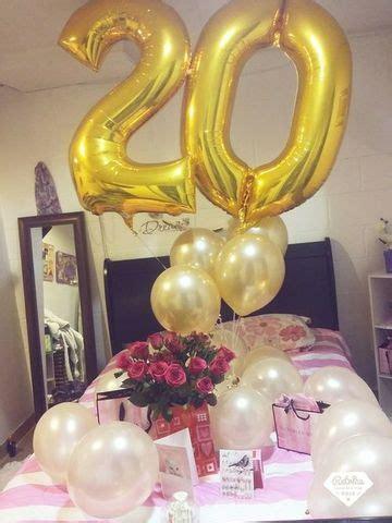 Agradable  Ideas Para Colgar Fotos Habitacion #9: Cuartos-decorados-de-cumpleaños-con-glogos-y-flores.jpg