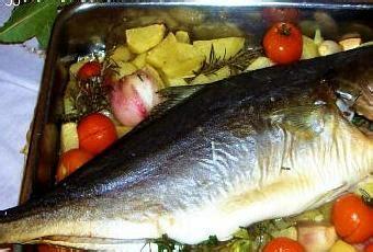 come cucinare il pesce siluro i classici pesce intero ricci 242 la al forno con patate