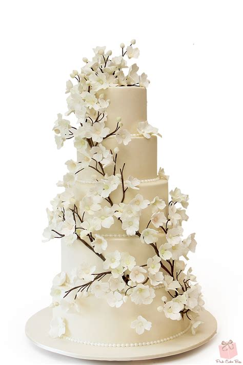 Flowers On Wedding Cakes by Dogwood Flower Wedding Cake 187 Wedding Cakes