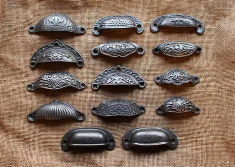 farmhouse kitchen cabinet hardware 24 best pulls handles images on pinterest