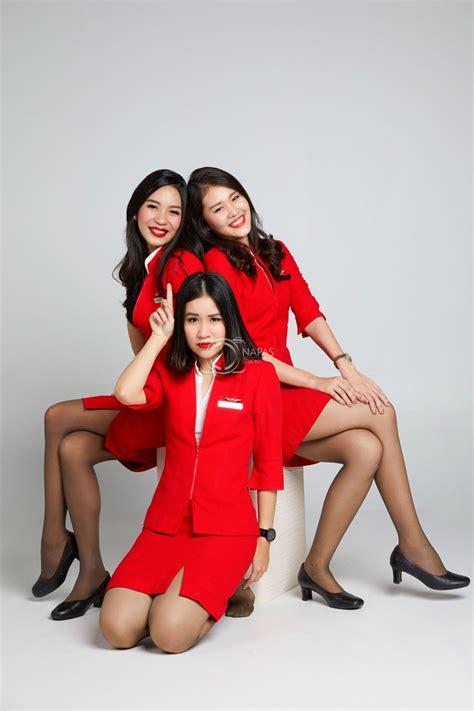 cabin attendants friendship thaiairasia crew crew portrait cabin crew