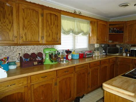 How To Paint Wooden Kitchen Cabinets by Repaint Maple Kitchen Cabinets Interior Antique White