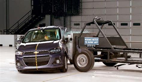 crash test si鑒e auto 2016 chevy spark side impact crash test gm authority