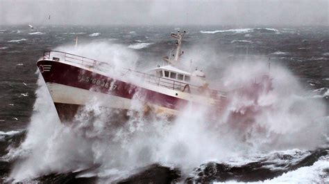 going to during new year rogue wave theory to save ships