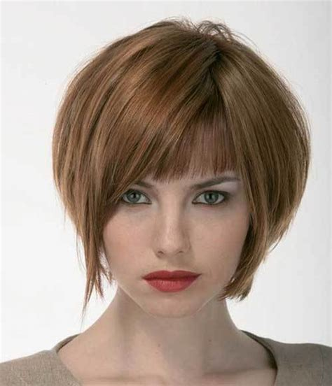 short bob with shorter layers at crown modified bob with texterized crown hairstylegalleries com