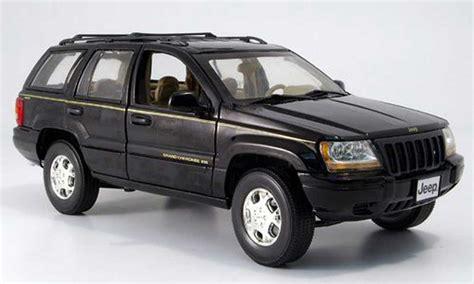 Miniatur Jeep Wrangler Unlimited Skala 64 jeep grand black mondo motors diecast model car 1