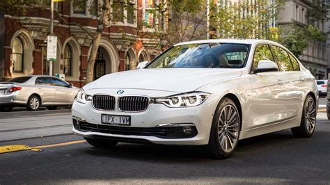 Line Bmw by Bmw F30 320d Luxury Line