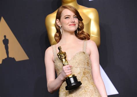 who is actress emma stone emma stone wins best actress at the 2017 oscars