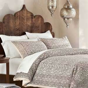 Hindu Bedroom Decor by 25 Best Ideas About Moroccan Decor On