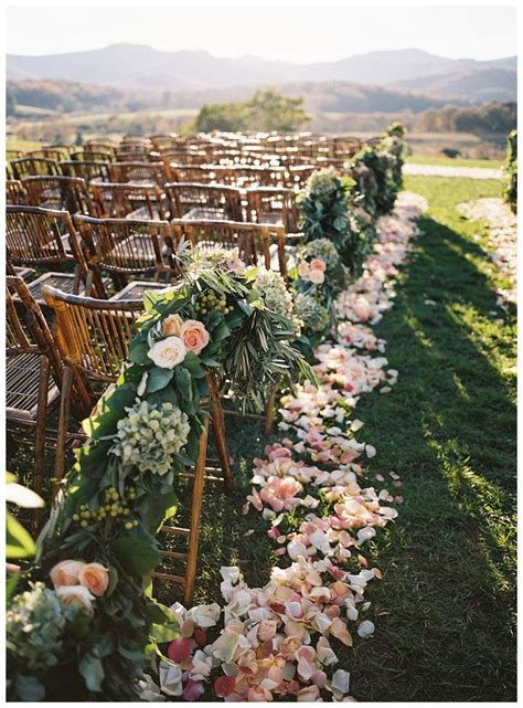 Wedding Aisle Flower Petal Designs by 509 Best Images About Aisle Runners Designs On