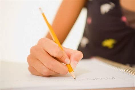 Cara Membut Surat Izin Sekolah Sendiri Yang Benar by Contoh Surat Izin Tidak Masuk Sekolah Yang Benar Caption