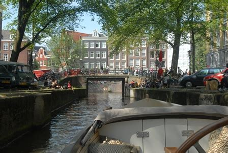 boat driving instructor boat driving amsterdam some pictures have our instructor