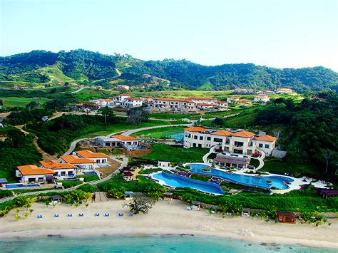 best resort in roatan it s official roatan is one of the most beautiful