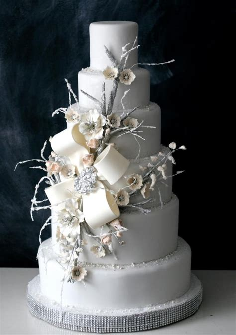 winter wedding cakes we savvy chic avenue