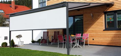 terrasse erhöht senkrechtmarkisen rolloscout sind funktional und
