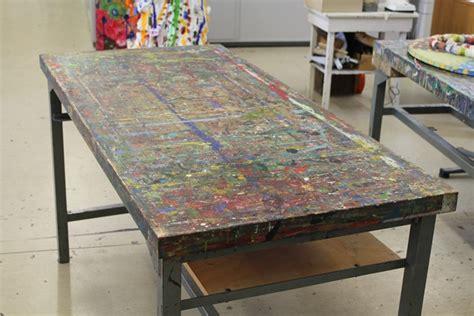 werkstatt arbeitstisch kunstauktion in der kreativen werkstatt waiblingen sicht