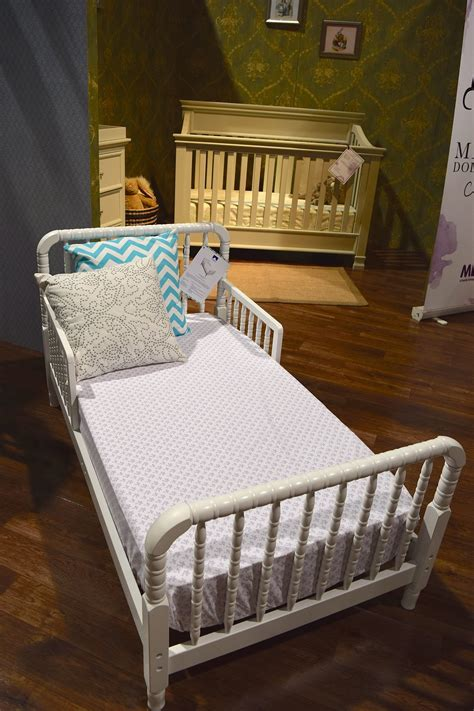 jenny lind baby bed davinci jenny lind toddler bed 120 new baby and kid