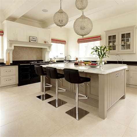 Kitchen Island Lighting Uk by Neutral Family Kitchen With Glamourous Lighting