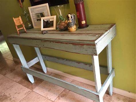 Diy Entryway Table by Diy Pallet Distressed Entryway Table Pallet Furniture Diy