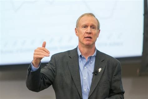 top rauner staff more highly paid than quinn s
