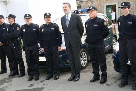 nuevo uniforme de la policia la polic 237 a nacional utiliza desde hoy nuevo uniforme de