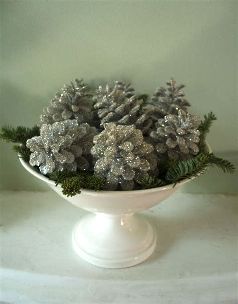 centerpieces with pine cones 25 best ideas about pinecone centerpiece on