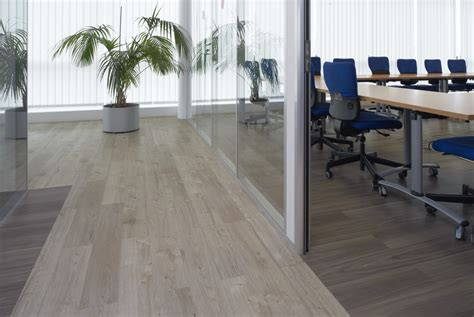 sun bleached oak beautifully designed lvt flooring from the amtico spacia collection luxury