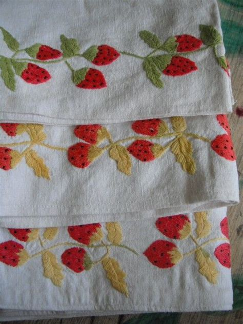Strawberry Kitchen Curtains 17 Best Images About Strawberry Cottage On Strawberry Kitchen Vintage And Plates