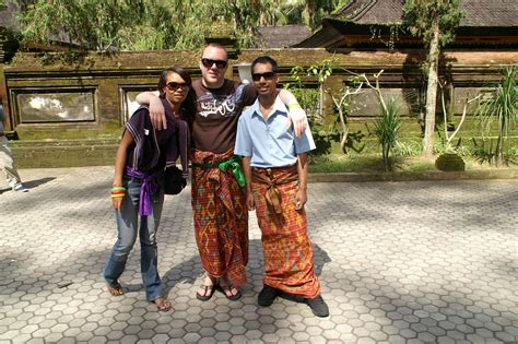 10 Ways To Not Look Like A Tourist Abroad by Top 16 Ways Not To Look Like A Tourist Viral Travel