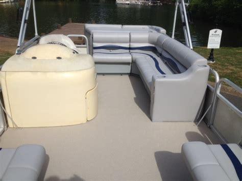 pontoon boat flooring options pontoon boat restoration top flooring choices