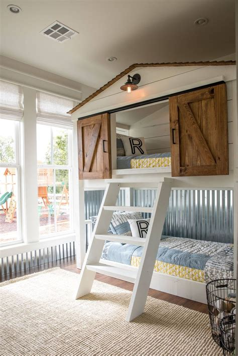 bunk bed bedroom ideas best 25 bunk bed ideas on pinterest house bunk bed childrens bunk beds and cool