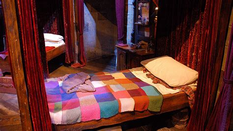 harry potter house decor 11 magical harry potter home decorating ideas