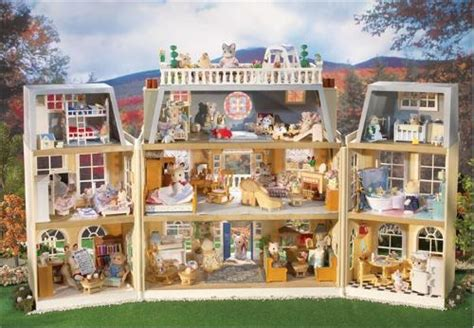 calico critters doll house amazon com calico critters cloverleaf manor toys games