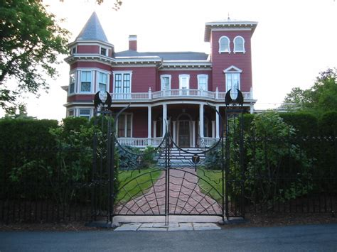 file stephenking house jpg wikimedia commons