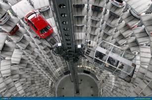 Volkswagen's Autostadt   The Car City (Video)