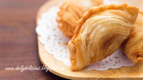 Chicken Curry Puff dailydelicious chicken curry puff crisp and flaky snack