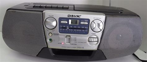 stereo a cassette sony boombox cfd v5 cd player am fm radio stereo cassette