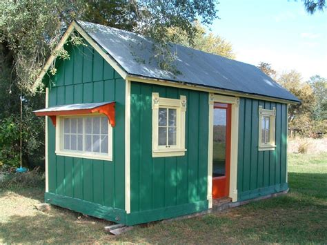 building a small house farm buildings into tiny houses