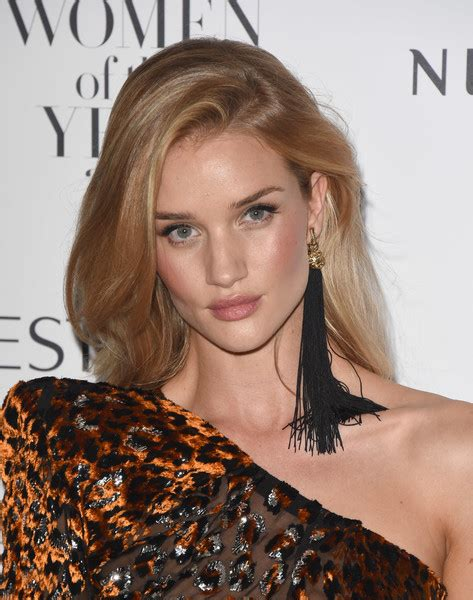 rosie huntington side parted lob rosie huntington whiteley long side part fashion