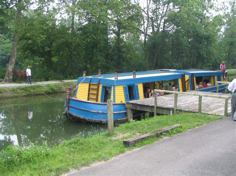 boats for sale in piqua ohio file canal boat on miami erie canal in piqua jpg