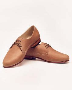 feminine oxford shoes style carved lace up oxford shoes