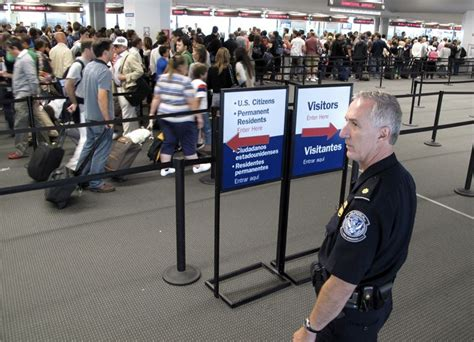 Immigration Office Houston by 10 Largest Airports With U S Customs Wait Times