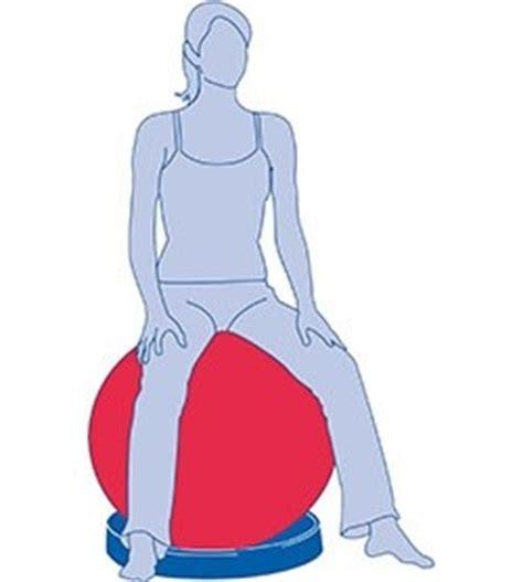 postura seduta corretta palla per tonificazione addominali e postura corretta