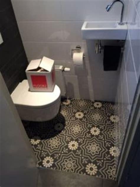 toilet met gekleurde tegel portugese tegels in hal keuken of badkamer floorz