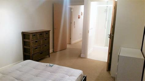 2 bedroom flat to rent in bath spacious 2 bed 2 bathroom apartment to rent in farnborough the online letting agents ltd